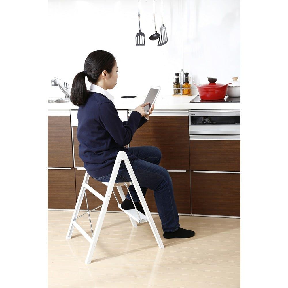 座れるスリムアルミ踏み台 2段 ホワイト, , product